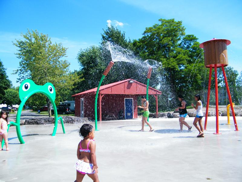 water playground equipment, splash pad equipment, water park equipment manufacturers